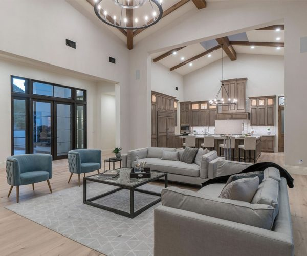 Mummy Mountain, Paradise Valley<br>Walt Danley Realty<br><strong>Click To View Gallery</strong>