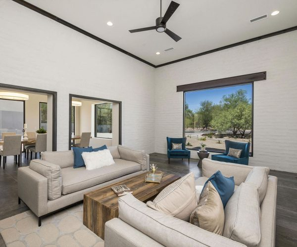 Arroyo Verde, Paradise Valley<br>Christopher Meyer - Berkshire Hathaway<br><strong>Click To View Gallery</strong>