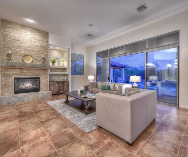 Saguaro Highlands, Scottsdale<br>Lesley McGee, Berkshire Hathaway<br><strong>Click To View Gallery</strong>