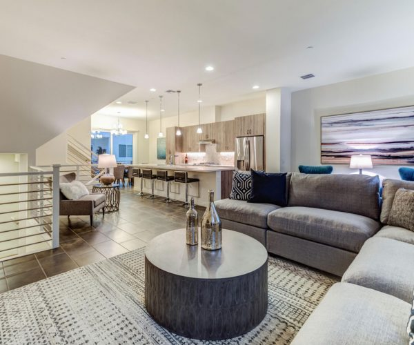 Pointe 16, Phoenix<br>Dan Ward, Berkshire Hathaway<br><strong>Click To View Gallery</strong>