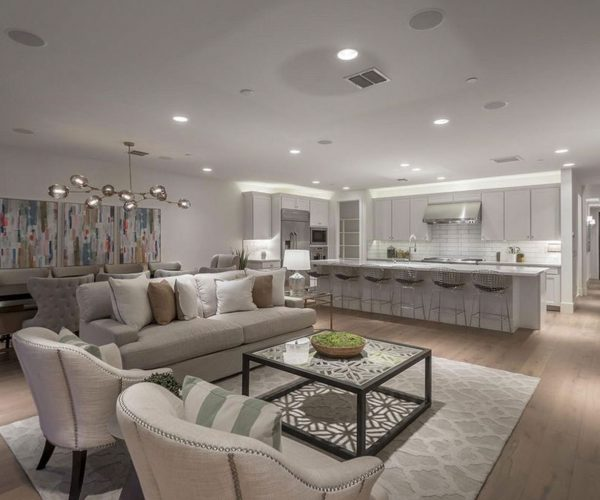 Reserve at Pinnacle Peak<br>Julie Rohr, Walt Danley Realty<br><strong>Click To View Gallery</strong>
